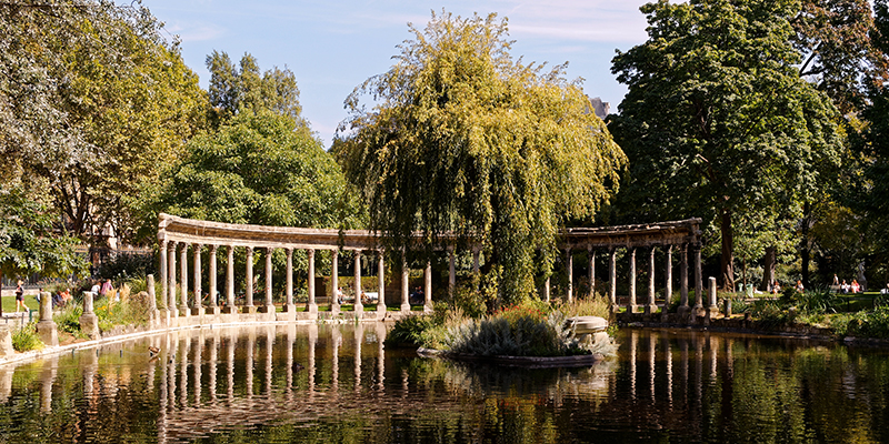 Beautiful Parc Monceau located in the center of Paris