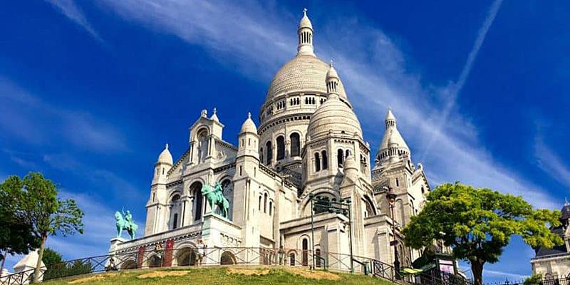 Enjoy panoramic views of Paris from Sacre-Coeur
