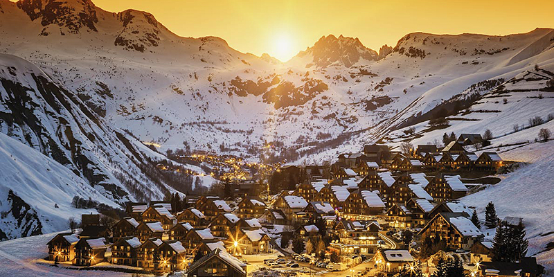 Megève is a village that is as authentic as it is sporting.